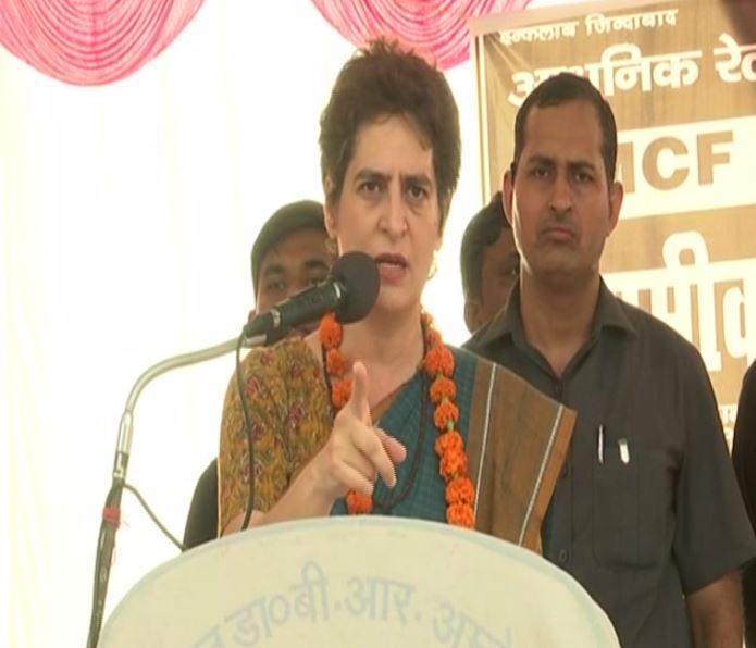 Congress General Secretary Priyanka Gandhi addressing MCF workers protesting against its privatisation in Raebareli, Uttar Pradesh on Tuesday. (Photo/ANI)