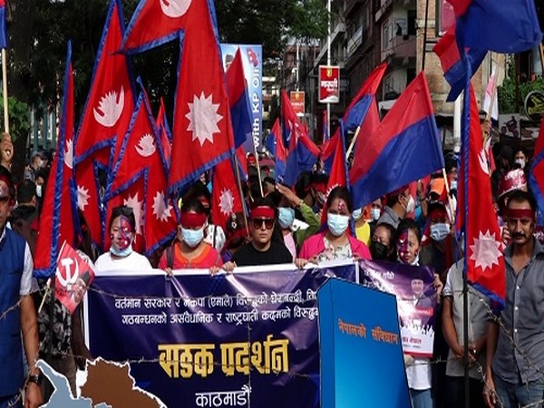 Youth Association Nepal, the student union of ruling CPN-UML of Nepal on Sunday held a roadshow in support of now caretaker Prime Minister KP Sharma Oli.
