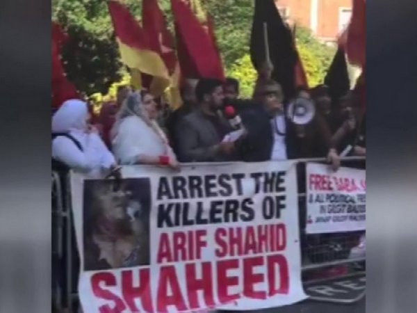 Activists of the Jammu Kashmir National Independent Alliance gathered outside the Pakistani Embassy in London on Wednesday to protest against the killing of