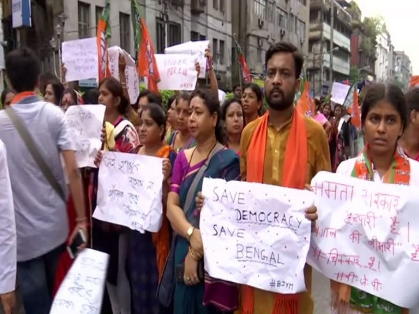BJP workers protesting in Kolkata on Friday. Photo/ANI