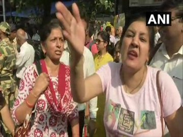 Depositors of PMC Bank protest outside Bombay High Court on Tuesday. Photo/ANI