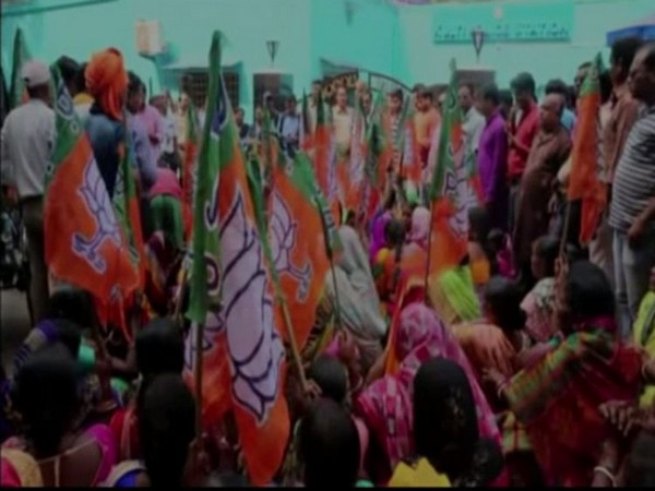 Visual from BJP protest in Asansol, West Bengal.