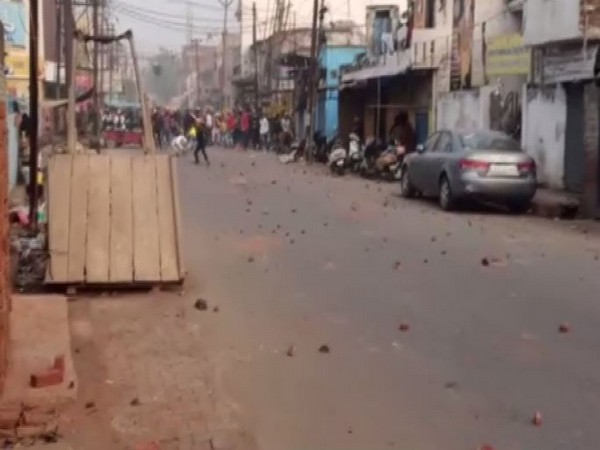 Protesters pelted stones at police in Meerut on Friday (photo/ANI)