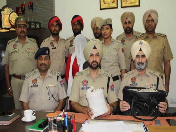 Punjab police seized over 1kg of heroin and arrested two people in Khanna area of Ludhiana in Punjabon Wednesday. Photo/ANI