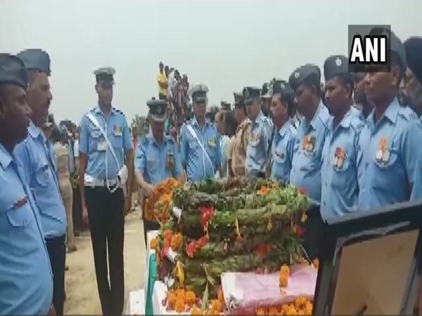 Wreath laying ceremony of Putali taking place in Lucknow (Photo/ANI)
