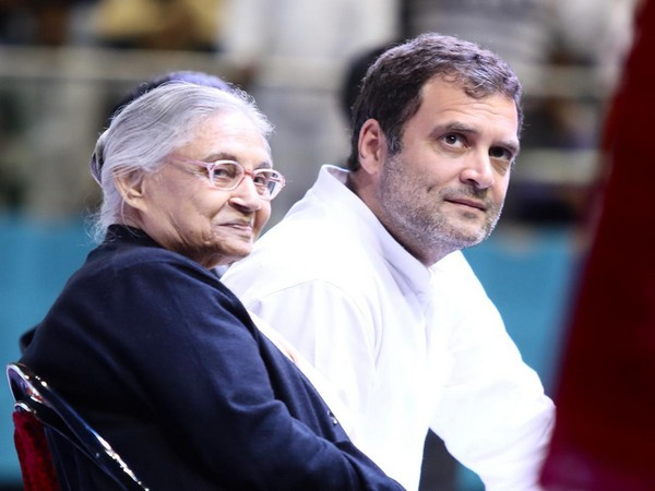 Delhi Congress chief Sheila Dikshit (Left) and Congress President Rahul Gandhi (Right) addressing a booth level party workers meeting in Delhi on Monday.