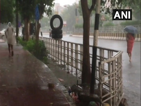 The IMD has predicted similar weather in adjoining areas of Delhi on Sunday.