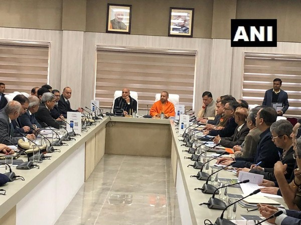 Defence Minister Rajnath Singh and Uttar Pradesh Chief Minister Yogi Adityanath on Sunday held a meeting with officials in Lucknow to review preparations of 'Defence Expo-2020'.