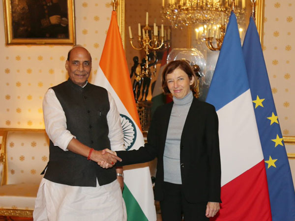 Defence Minister Rajnath Singh met French Minister of Armed Forces Florence Parly in Paris on Tuesday. (Photo courtesy: Rajnath SIngh twitter)