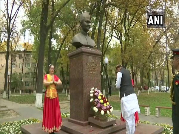 Rajnath Singh pays floral tributes to Lal Bahadur Shastri in Tashkent on Friday