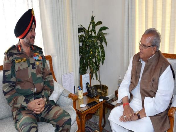 L-R: Northern Army Commander Lieutenant General Ranbir Singh with J-K Governor Satya Pal Malik at Raj Bhavan in Srinagar on Friday.