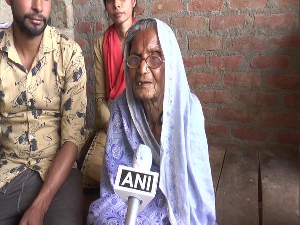 81-year-old Rani Devi from Kanpur speaking to ANI (Photo/ANI)