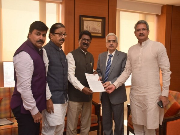 A delegation of Shiv Sena MPs on Tuesday met RBI Governor Shaktikanta Das requesting him to redress issues related to the PMC bank depositors.