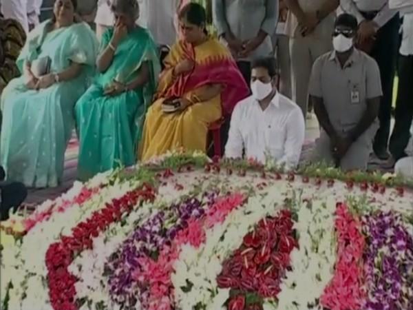 Andhra Pradesh CM YS Jaganmohan Reddy paid tribute to YS Rajasekhara Reddy on 11th death anniversary [Photo/ANI]
