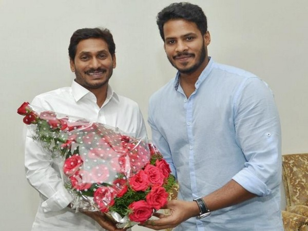 Andhra Pradesh Chief Minister YS Jaganmohan Reddy meeting JDS leader Nikhil Gowda in Amravati on Tuesday. Photo/ANI