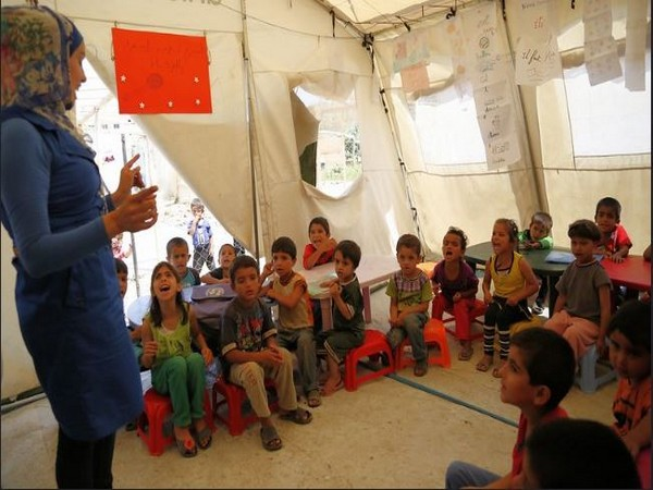 Psychological programmes that promotes positive outcomes in refugee children