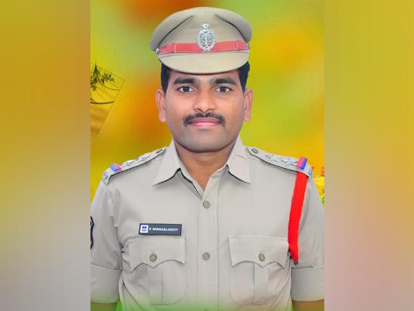 The accused sub inspector Srinivas Reddy