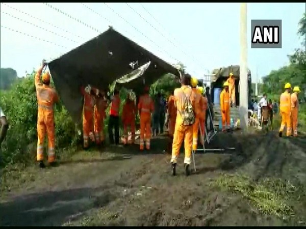 Rescue operation underway in Asansil's Kulti area by NDRF team on Thursday. Photo/ANI