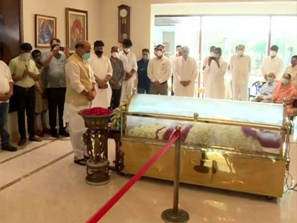 Defence Minister Rajnath Singh paid last respects to Amar Singh at his residence in Chhatarpur, New Delhi on Monday. (Photo/ANI)