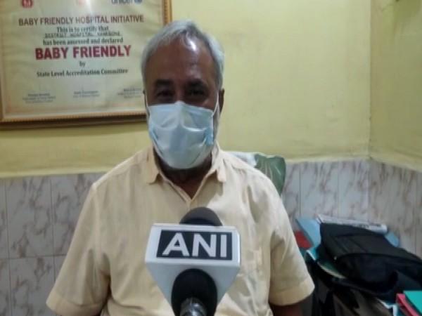 Khargone district hospital superintendent Divyesh Verma speaking to ANI on Saturday.
