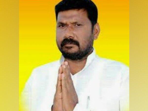 Congress leader Basangouda Turvihal (Photo/Twitter)