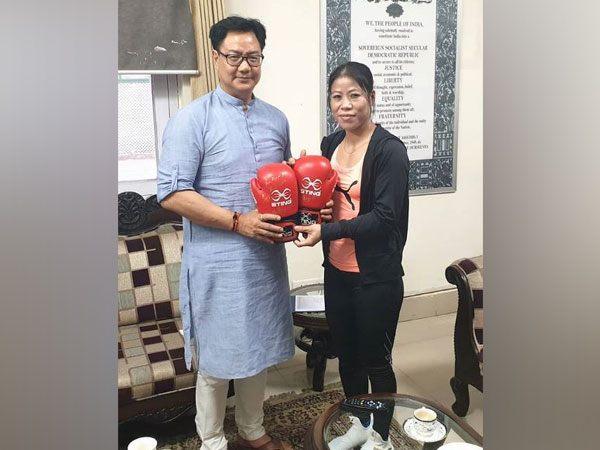 Sports minister Kiren Rijiju with boxer Mary Kom (Photo/Kiren Rijiju Instagram)