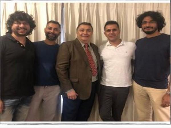 Team of 'Sharmaji Namkeen' (Image courtesy: Twitter)