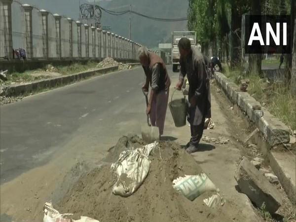 Construction activities have resumed in Srinagar. [Photo/ANI]