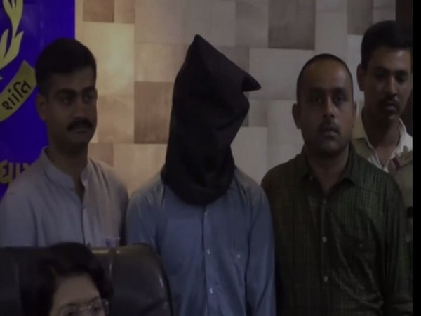 A man arrested for robbing cash from the ATM in Kutch [Photo/ANI]