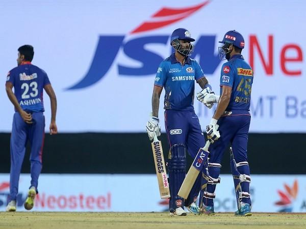 Mumbai Indians in action against Delhi (Image: BCCI/IPL)