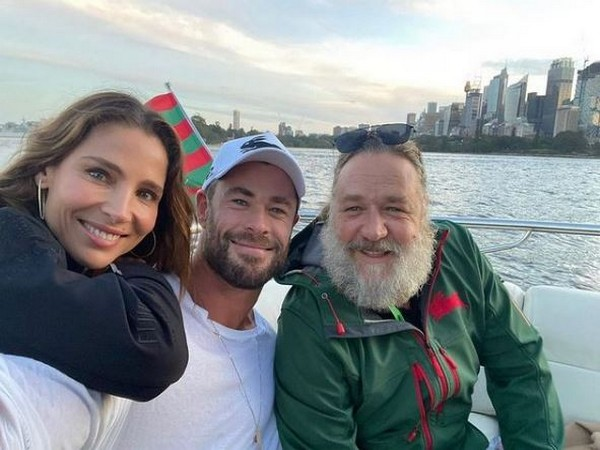 Russell Crowe with 'Thor: Love and Thunder' stars Chris Hemsworth and Natalie Portman. (Image courtesy: Instagram)