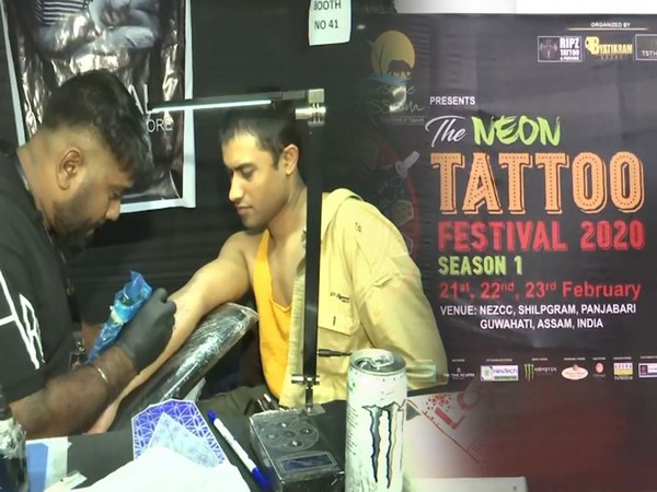 Along with live piercing and tattoo art, the convention had live music and a stunning art gallery