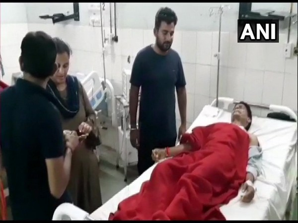 RSS worker admitted in hospital after being thrashed by few people in Rajasthan.