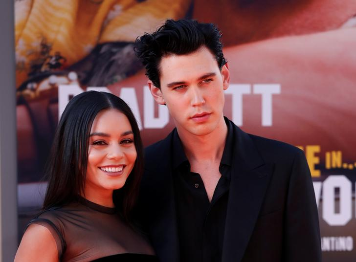 Austin Butler and Vanessa Hudgens pose at the premiere of 'Once Upon a Time In Hollywood'