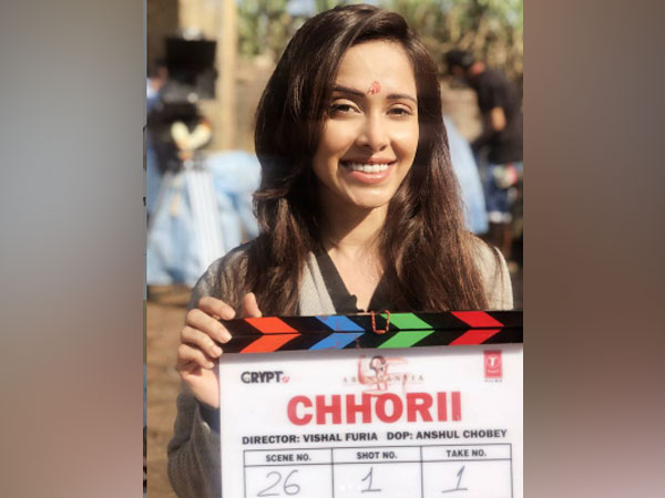 Actor Nushrratt Bharuccha holding 'Chhori' film's clapperboard (Image Source: Instagram)