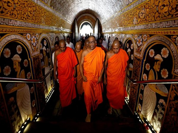 Buddhist monks meet in Kandy
