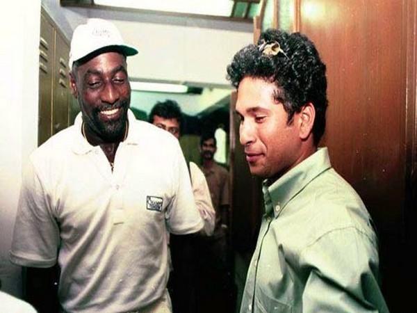 Viv Richards with Sachin Tendulkar (Photo/Sachin Tendulkar Twitter)
