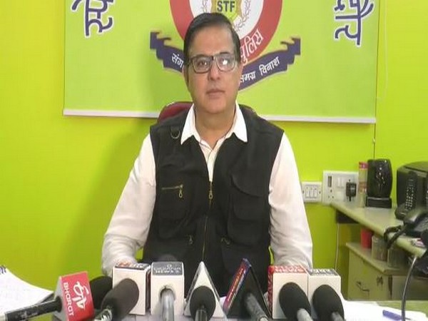 Indore STF SP, Manish Khatri speaking to reporters. (Photo/ANI)
