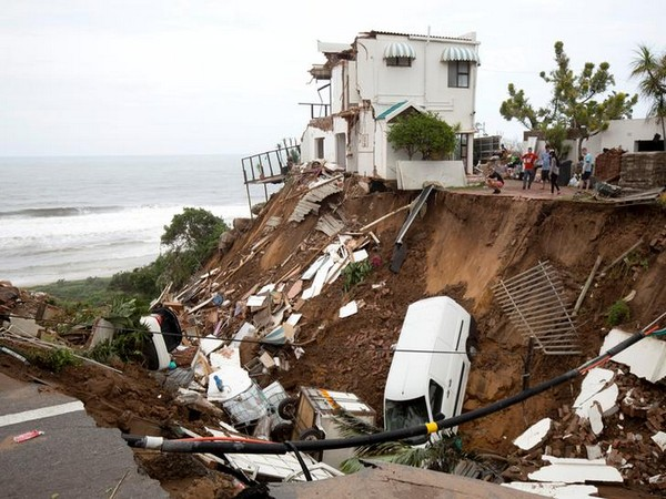 Debris in the aftermath of the rainstorm near Durban, South Africa on Apr 24 (Photo/Reuters)