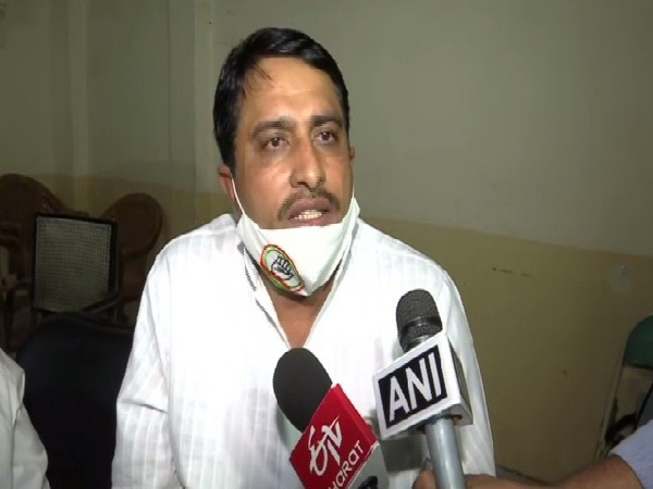 Rajasthan Cabinet Minister Saleh Mohammad speaking to media on Wednesday.