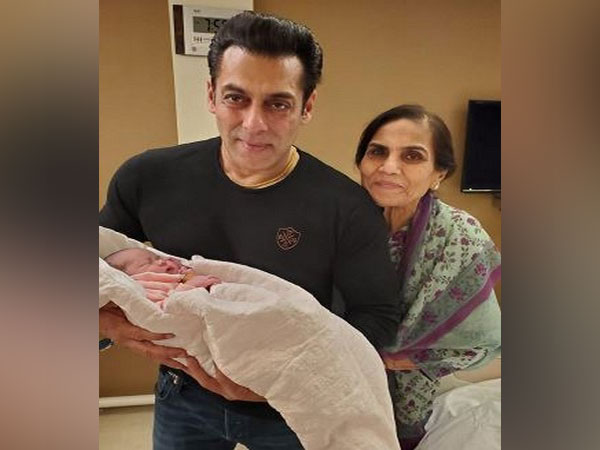 Salman Khan with niece Ayat and mom Salma Khan. (Image courtesy: Instagram)
