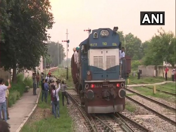 Samhjauta Express arrived at Attari from Pakistan on Thursday