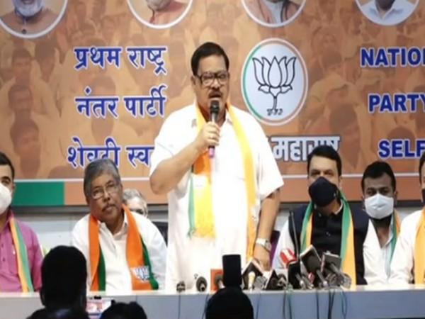 Former Nashik MLA Balasaheb Sanap joined BJP in presence of Devendra Fadnavis and Chandrakant Patil on Monday.
