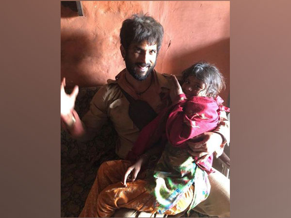 Sushant Singh Rajput in a BTS picture from 'Sonchiriya' (Image source: Instagram)