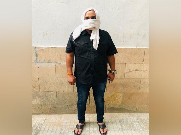 Delhi Police has arrested a criminal named Sandeep aka Dhillu Pahalwan, who escaped from police custody in 2018.