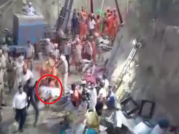 Visuals from the rescue operation site.