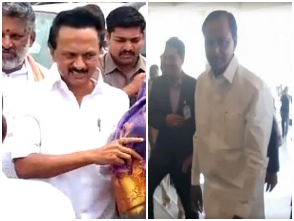 Visuals of DMK chief MK Stalin and Telangana CM K Chandhrashekhar Rao arriving in Vijayawada, Andhra Pradesh.