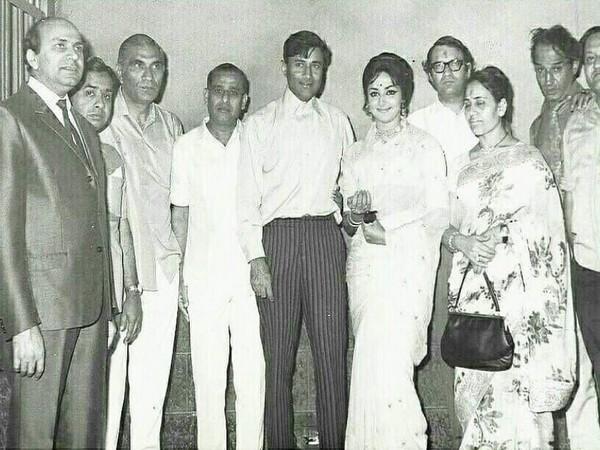 Hema Malini, BR Chopra, Dev Anand and others (Image Source: Instagram)