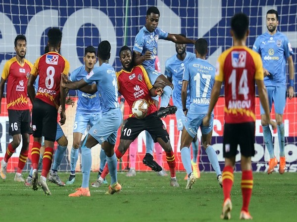 East Bengal players in action (Photo/ Sportzpics)