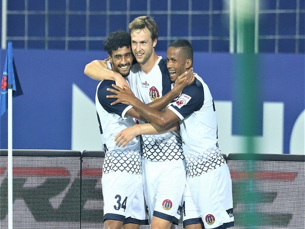 Matti Steinmann celebrates with SCEB teammates after the opening goal (Image: ISL)
